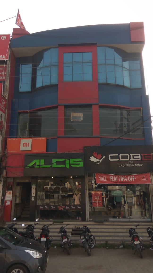 Commercial 3-Storeyed Bldg